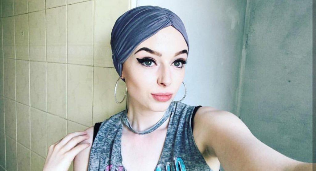 Woman wearing rosalind headscarf